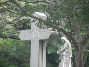 oak-hill-cemeterymother-mary-statue